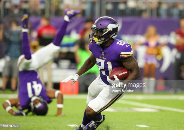 Jerick McKinnon of the Minnesota Vikings carries the ball in the first quarter of the game against the New Orleans Saints on September 11 2017 at US...