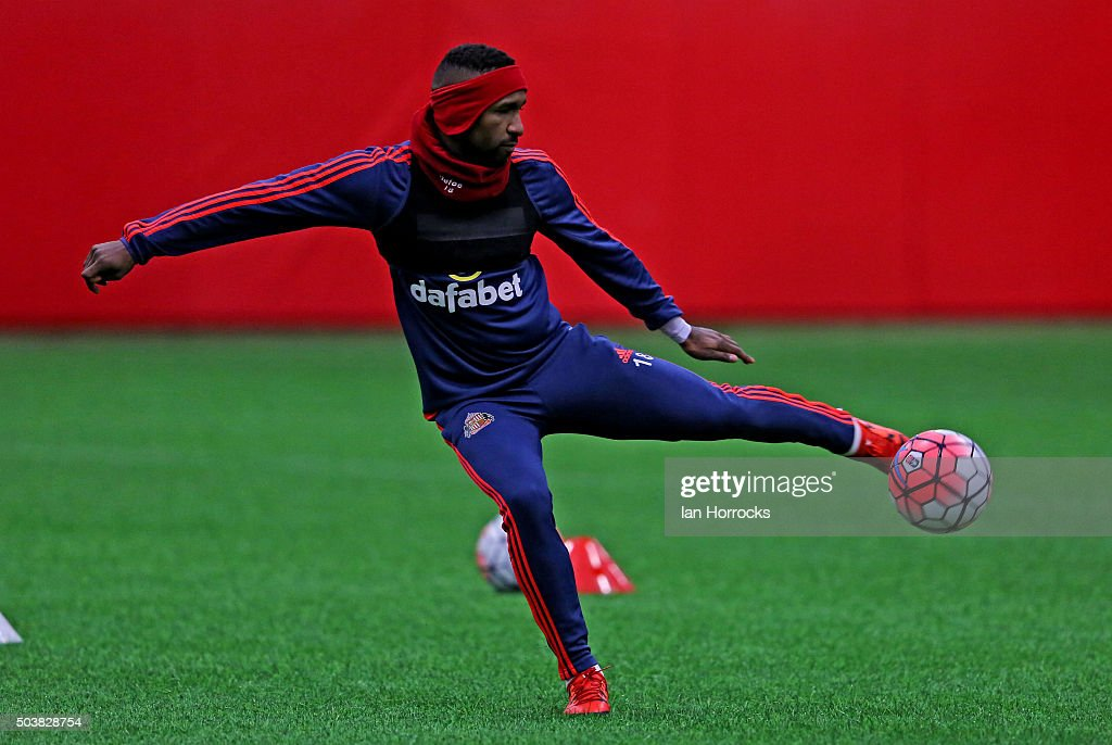 Jermain Defoe controls the ball during a Sunderland AFC training session at the Academy of Light on January 07, 2016 in Sunderland, England.