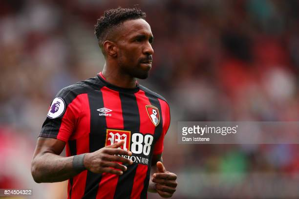 Jermain Defoe of AFC Bournemouth applauds a teammate off the pitch during the preseason friendly match between AFC Bournemouth and Valencia CF at...