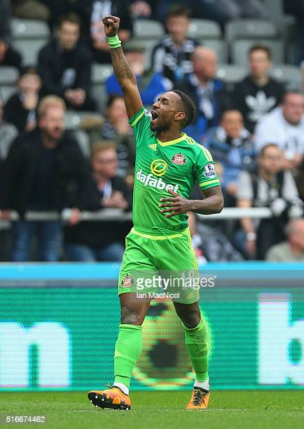 Jermain Defoe of Sunderland as he scores their first goal during the Barclays Premier League match between Newcastle United and Sunderland at St...
