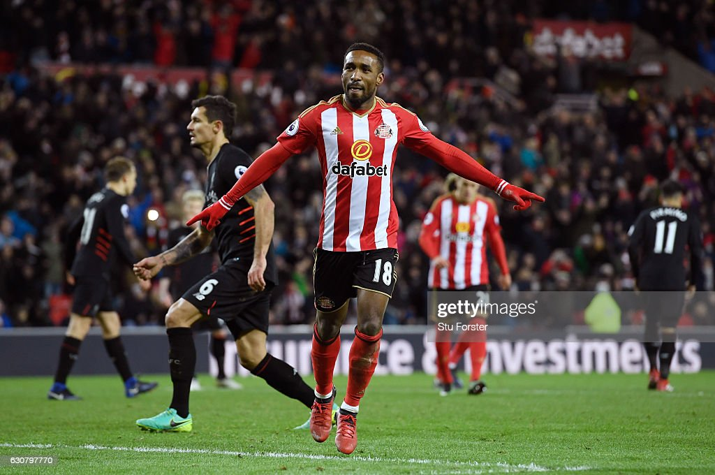 Jermain Defoe of Sunderland celebrates scoring his sides second goal during the Premier League match between Sunderland and Liverpool at Stadium of Light on January 2, 2017 in Sunderland, England.