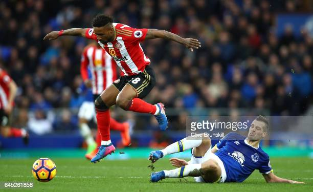 Jermain Defoe of Sunderland is fouled by Morgan Schneiderlin of Everton during the Premier League match between Everton and Sunderland at Goodison...