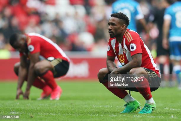 Jermain Defoe of Sunderland looks dejected during the Premier League match between Sunderland and AFC Bournemouth at the Stadium of Light on April...