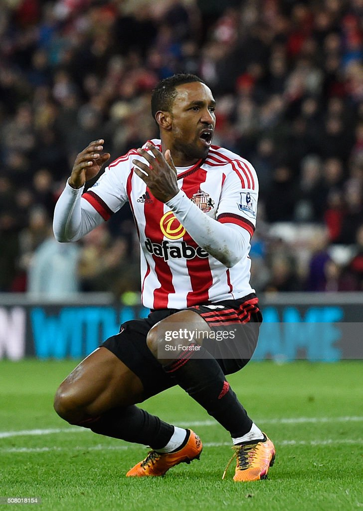 Jermain Defoe of Sunderland reacts during the Barclays Premier League match between Sunderland and Manchester City at the Stadium of Light on February 2, 2016 in Sunderland, England.
