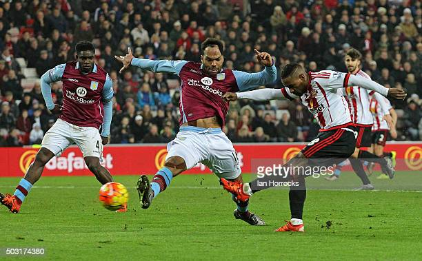 Jermain Defoe of Sunderland scores the second Sunderland goal during the Barclays Premier League match between Sunderland and Aston Villa at the...