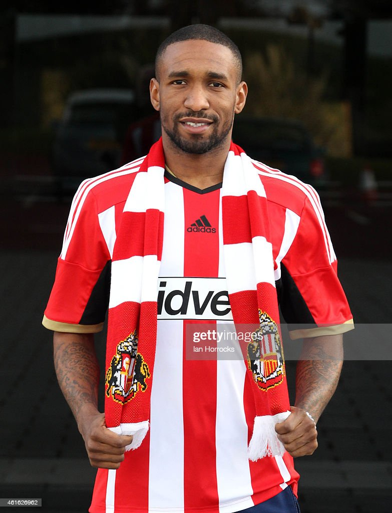 Sunderland Unveil New Signing Jermain Defoe