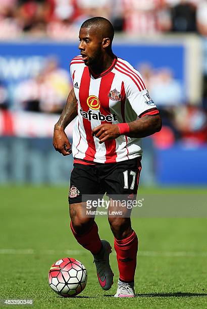 Jermain Lens of Sunderland in action during the Barclays Premier League match between Leicester City and Sunderland at The King Power Stadium on...