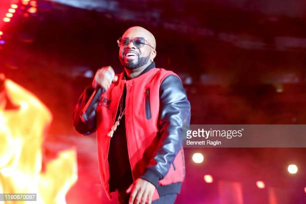 Jermaine Dupri performs onstage during the 2019 ESSENCE Festival Presented By CocaCola at Louisiana Superdome on July 07 2019 in New Orleans Louisiana
