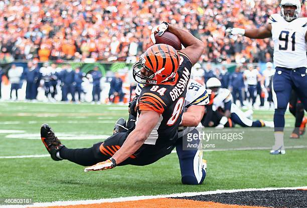 Jermaine Gresham of the Cincinnati Bengals catches a touchdown pass the NFL wild card playoffs game against the San Diego Chargers at Paul Brown...