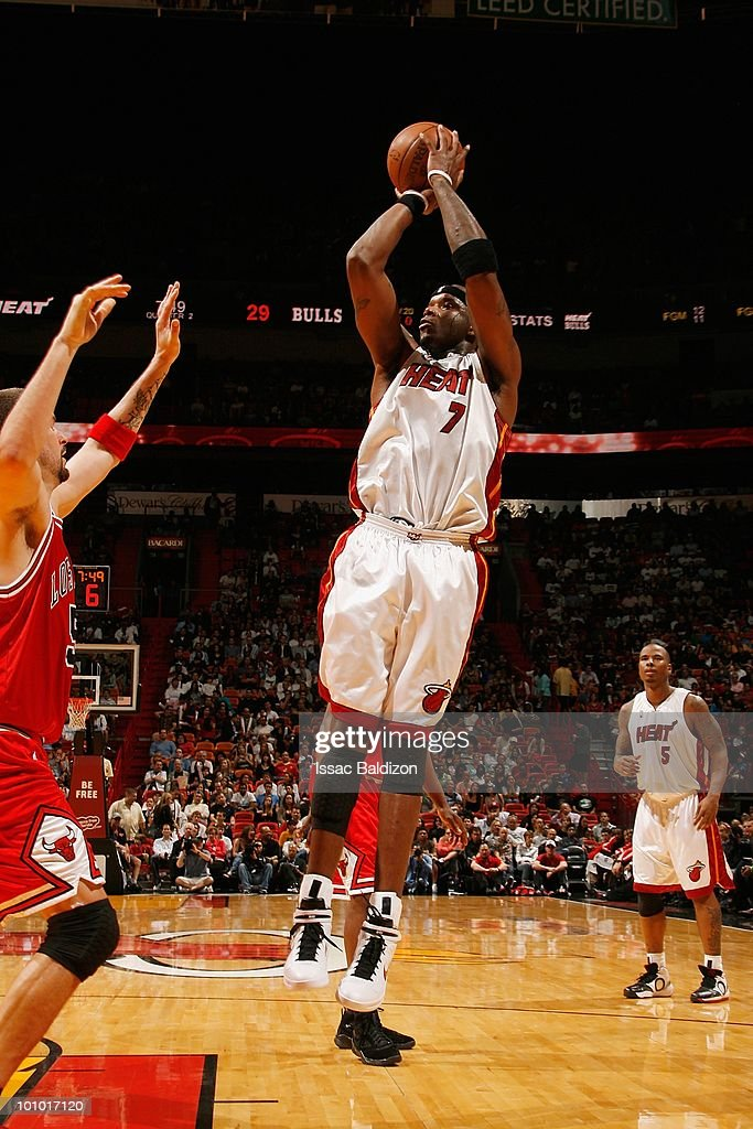 Jermaine O'Neal #7 of the Miami Heat takes a jump shot against the Chicago Bulls during the game on March 12, 2010 at American Airlines Arena in Miami, Florida. The Heat won 108-95.