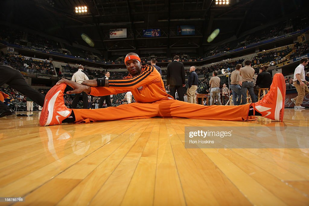 Jermaine O'Neal #20 of the Phoenix Suns warms up before the game against the Indiana Pacers on December 28, 2012 at Bankers Life Fieldhouse in Indianapolis, Indiana.