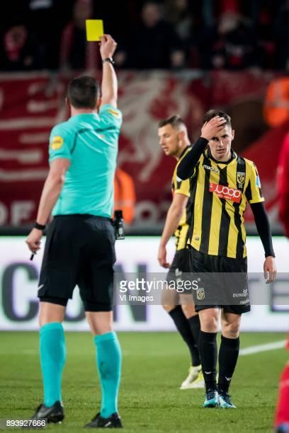 Jeroen Manschot Mason Mount of Vitesse during the Dutch Eredivisie match between FC Twente Enschede and Vitesse Arnhem at the Grolsch Veste on...