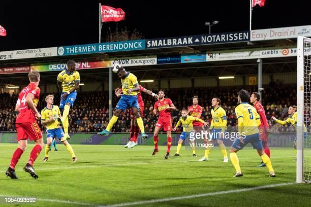 Jeroen Veldmate of Go Ahead Eagles Kevin van Kippersluis of SC Cambuur Emmanuel Mbende of SC Cambuur Thomas Verheydt of Go Ahead Eagles Gino Bosz of...