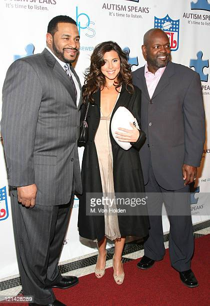 Jerome Bettis Jamie Lynn Sigler and Emmit Smith during NFL and The Gillen Brewer Company held the 'Kick off for a Cure' Benefit for Autism Speaks at...