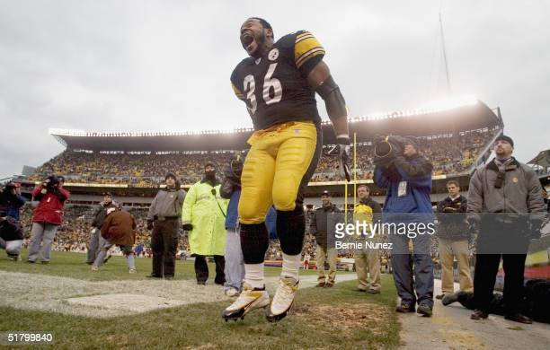 Jerome Bettis of the Pittsburgh Steelers screams as he enters the field against the Washington Redskins at Heinz Field on November 28, 2004 in...