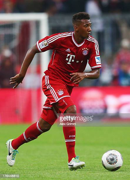 Jerome Boateng of Muenchen controles the ball during the Bundesliga match between Bayern Muenchen and Borussia Moenchengladbach at Allianz Arena on...