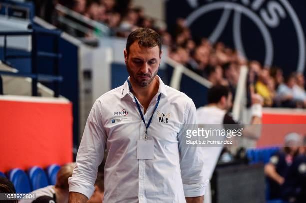 Jerome Fernandez head coach of Pays d'Aix Universite looks dejected during the Lidl Starligue match between Paris Saint Germain and Pays d'Aix...