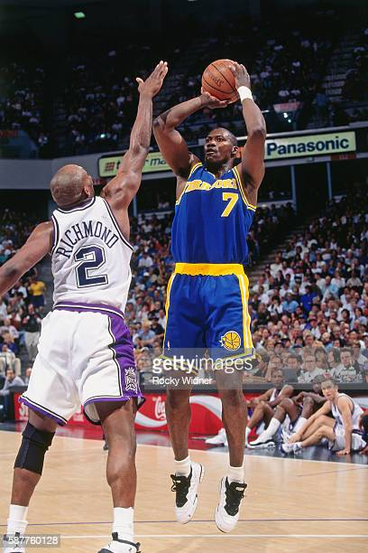 Jerome Kersey of the Golden State Warriors shoots against the Sacramento Kings circa 1996 at Arco Arena in Sacramento California NOTE TO USER User...
