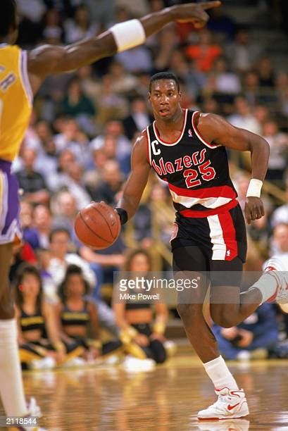 Jerome Kersey of the Portland Trail Blazers drives against the Los Angeles Lakers during the 19881989 NBA season game at the Great Western Forum in...
