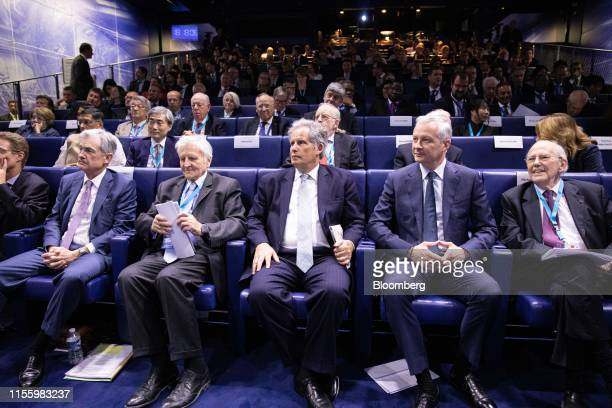 Jerome Powell chairman of the US Federal Reserve from left JeanClaude Trichet former president of the European Central Bank David Lipton acting...