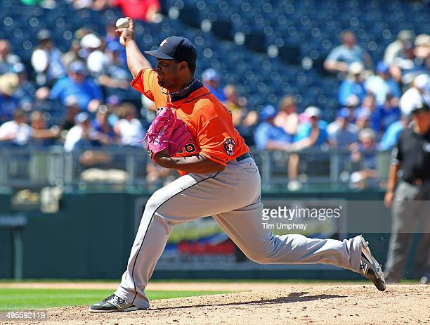 Jerome Williams of the Houston Astros pitches during the game against the Kansas City Royals at Kauffman Stadium on May 28 2014 in Kansas City...