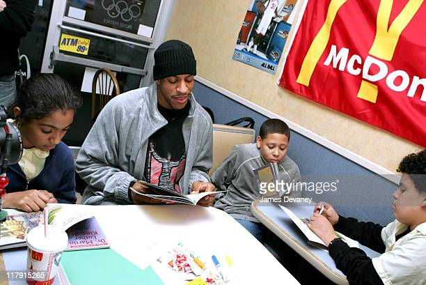 Jerome Williams of the New York Knicks with children