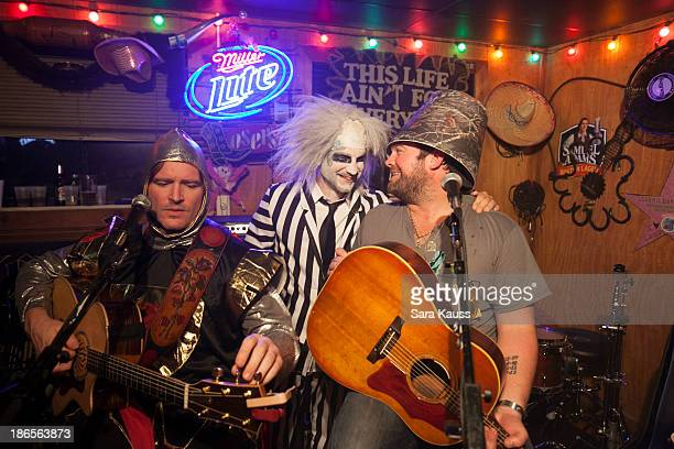 Jerrod Niemann Craig Campbell Lee Brice perform at the TJ Martell Foundation's Battle for the Bones for the Linds Sarcoma Fund at Losers Bar Grill on...