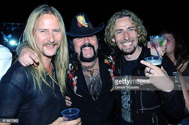 Jerry Cantrell Vinnie Paul and Chad Kroeger