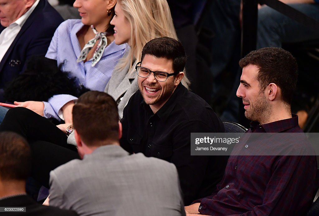 Celebrities Attend The Dallas Mavericks Vs New York Knicks Game : News Photo