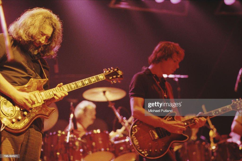 Grateful Dead At Wembley Empire Pool : News Photo