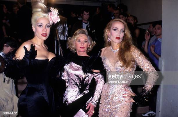 Jerry Hall backstage while the Thierry Mugler fashion show fallwinter 1995 in Paris Jerry Hall just gave an interview to a UK celebrity magazine...