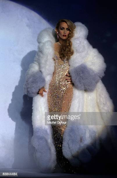 Jerry Hall is seen on catwalk while the Mugler fall winter 1996 show and in Paris. Jerry Hall just gave an interview to a UK celebrity magazine where...
