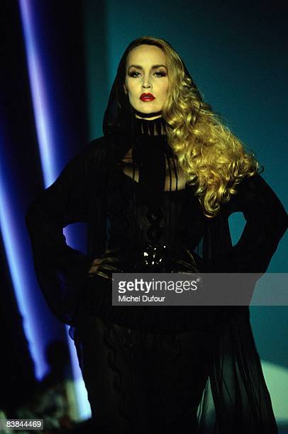 Jerry Hall on catwalk while a Mugler's fashion show 1996 in Paris Jerry Hall just gave an interview to a UK celebrity magazine where she reveals that...