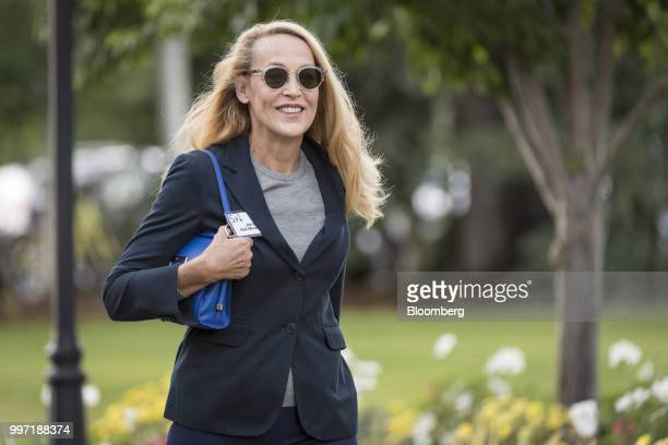 Jerry Hall wife of TwentyFirst Century Fox Inc CoChairman Rupert Murdoch arrives for a morning session during the Allen Co Media and Technology...