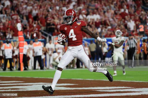 Jerry Jeudy of the Alabama Crimson Tide completes the catch for a touchdown in the fourth quarter during the College Football Playoff Semifinal...