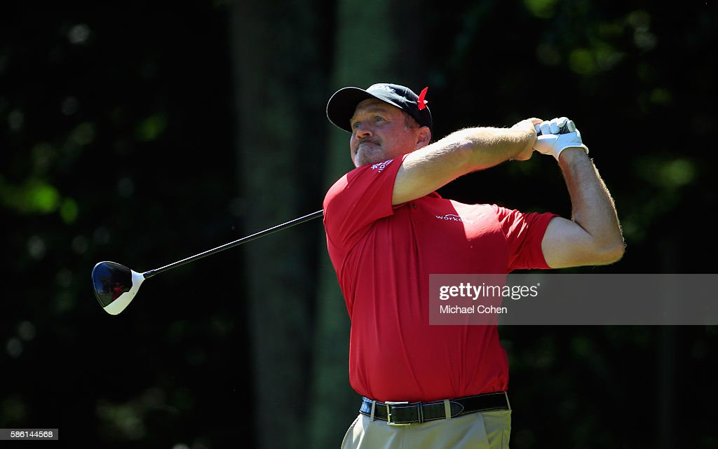 Jerry Kelly of the United States hits his tee shot on the 15th hole during the second round of the Travelers Championship at the TPC River Highlands on August 5, 2016 in Cromwell, Connecticut.