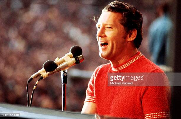 Jerry Lee Lewis performs on stage at the London Rock'n'Roll Show Wembley London 5th August 1972