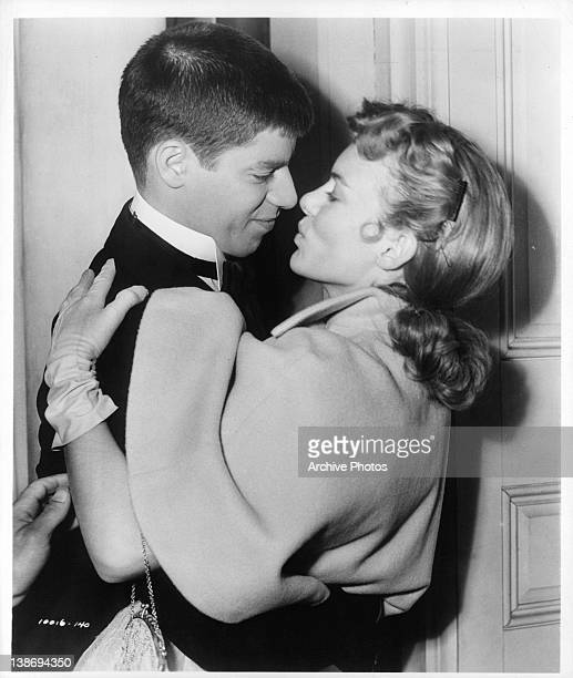 Jerry Lewis and Marion Marshall embrace in a scene from the film 'The Stooge' 1951