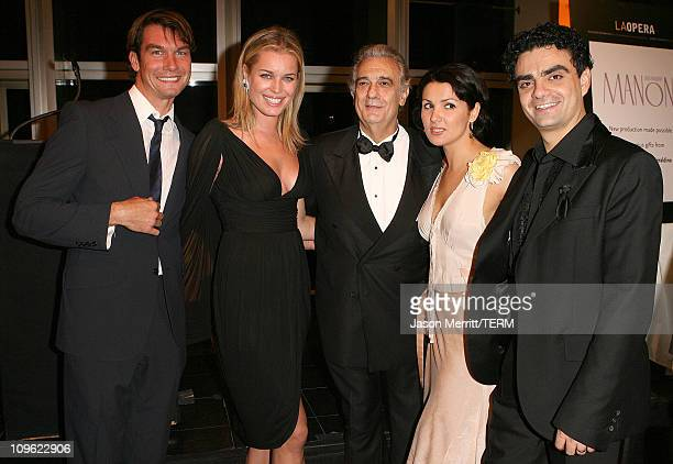 Jerry O'Connell and Rebecca Romijn with Placido Domingo Anna Netrebko and Rolando Villazon