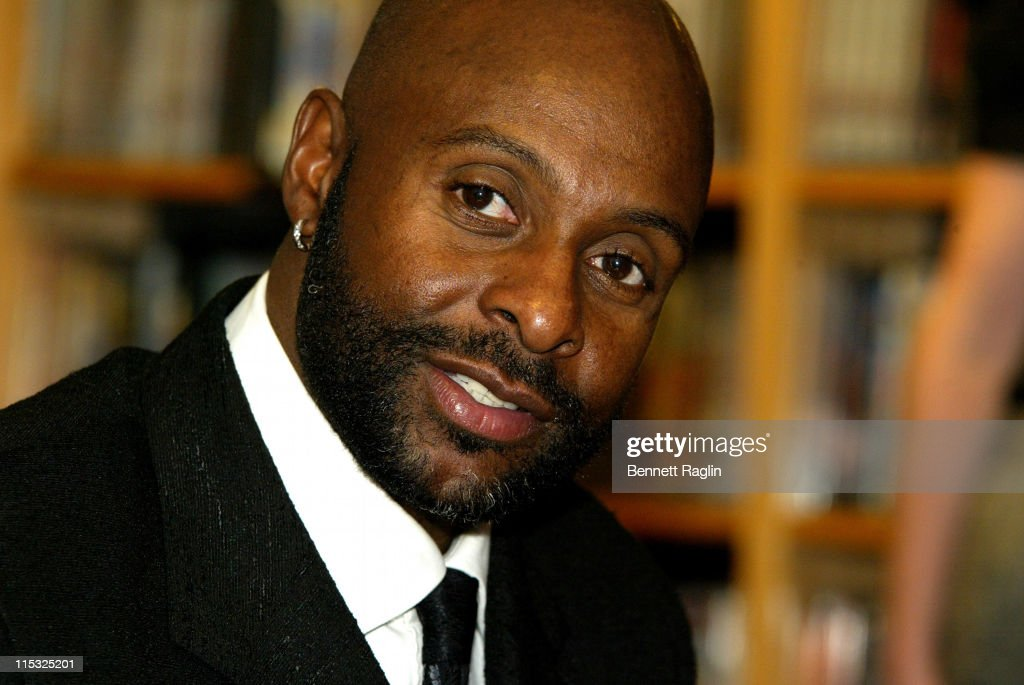 Jerry Rice during Former NFL Star Jerry Rice Signs His Book 'Go Long' at Borders Books & Music in New York City - January 16, 2007 at Borders Books & Music in New York City, New York, United States.