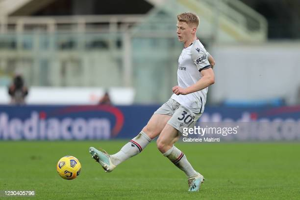 Jerry Schouten of Bologna FC in action during the Serie A match between ACF Fiorentina and Bologna FC at Stadio Artemio Franchi on January 3, 2021 in...