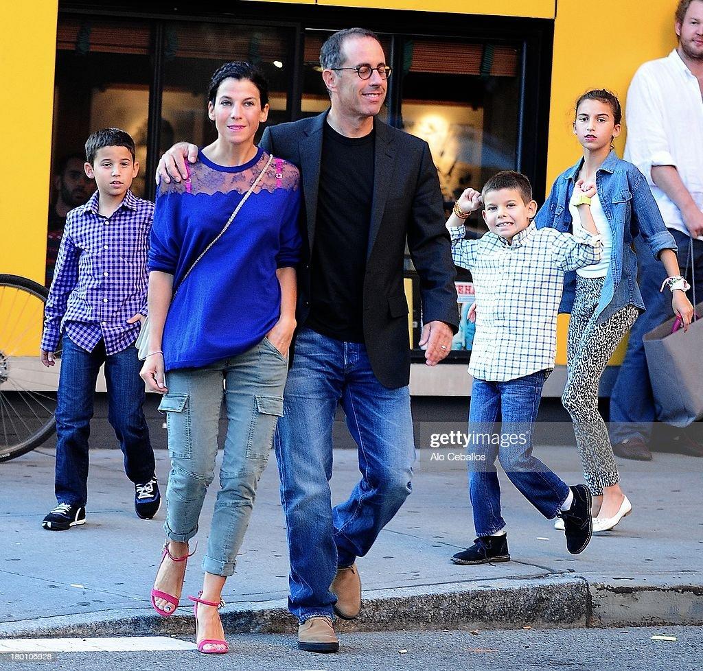 Celebrity Sightings In New York City - September 8, 2013 : ニュース写真