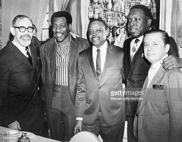 Jerry Wexler Otis Redding Eddie O'Jay King Curtis and Nesuhi Ertegün pose for a portrait in 1966