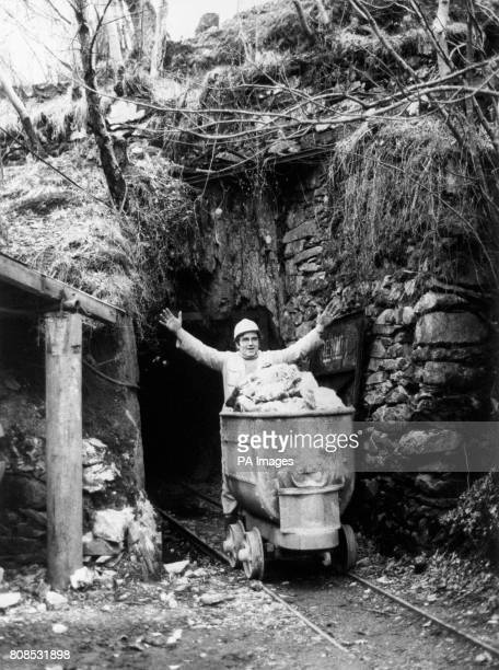 Jerry Williams a Welsh gold miner at Clogau St David's Mine near Dolgellau traditionally linked with Royal wedding rings It was Clogau that supplied...