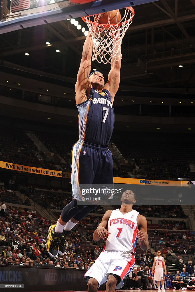 Jerryd Bayless #7 of the Memphis Grizzlies dunks the ball against the Detroit Pistons on February 19, 2013 at The Palace of Auburn Hills in Auburn Hills, Michigan.
