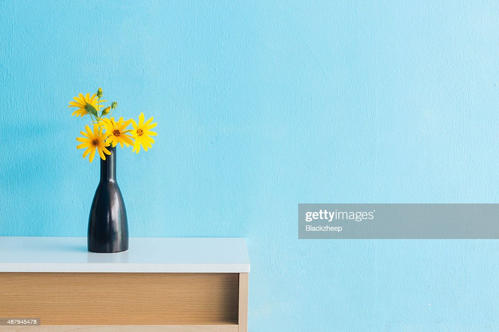 Picture Of Flower Vase On The Table Loris Decoration
