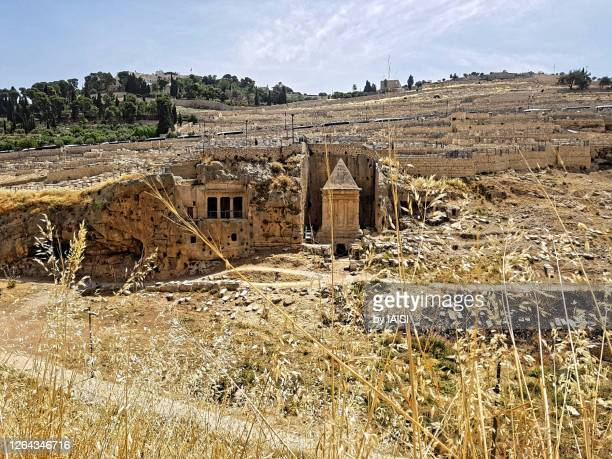 jerusalem, landscape of the kidron valley, from right to left the tomb of zachariah and the tomb of bnei hezir dating to the second temple period, at the foot of the mount of olives - mount of olives stock pictures, royalty-free photos & images