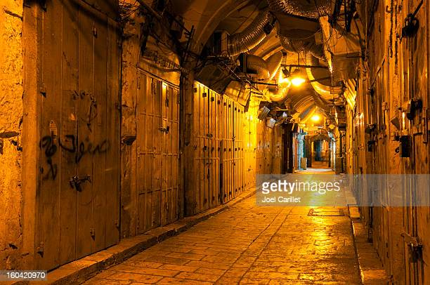 jerusalem old city alley at night - jerusalem old city stock pictures, royalty-free photos & images