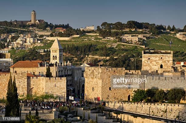 velha jerusalém ao pôr do sol - jerusalem antiga imagens e fotografias de stock