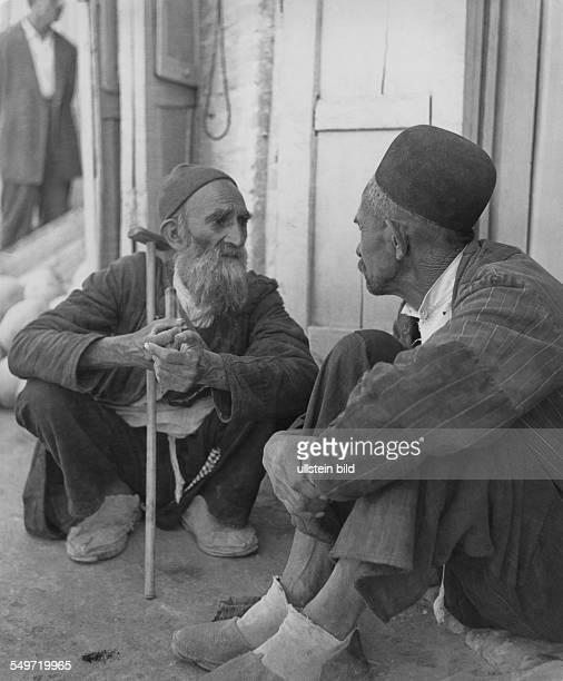 Jerusalem, zwei alte Männer im Gespräch